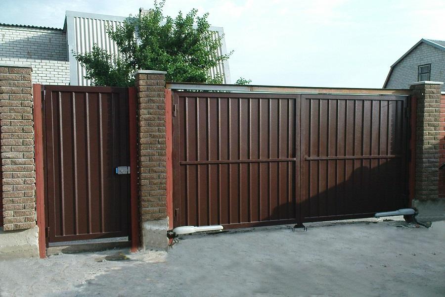 Распашные простые ворота